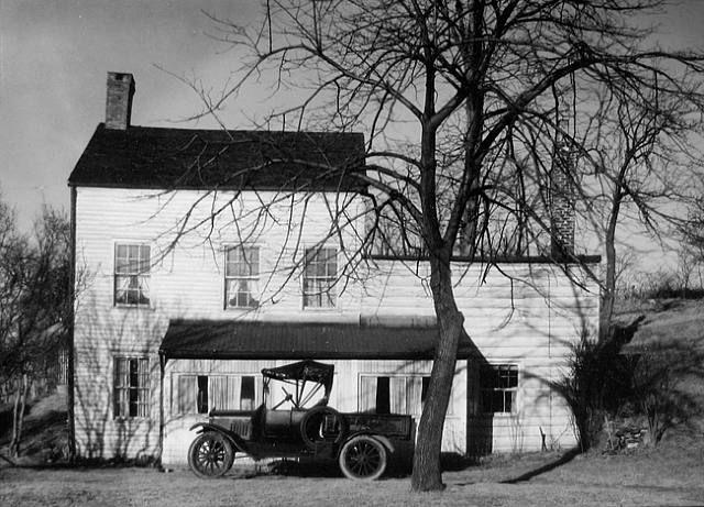Walker Evans, Farmhouse, Westchester County, N.Y.