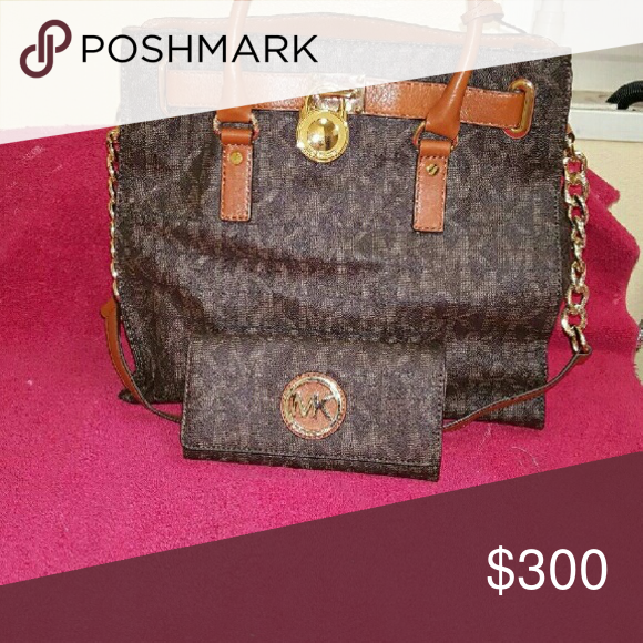2b70a0b8248f PRICE REDUCED!!!!!! Michael kors Hamilton large bag authentic with matching  wallet Michael Kors Bags Shoulder Bags