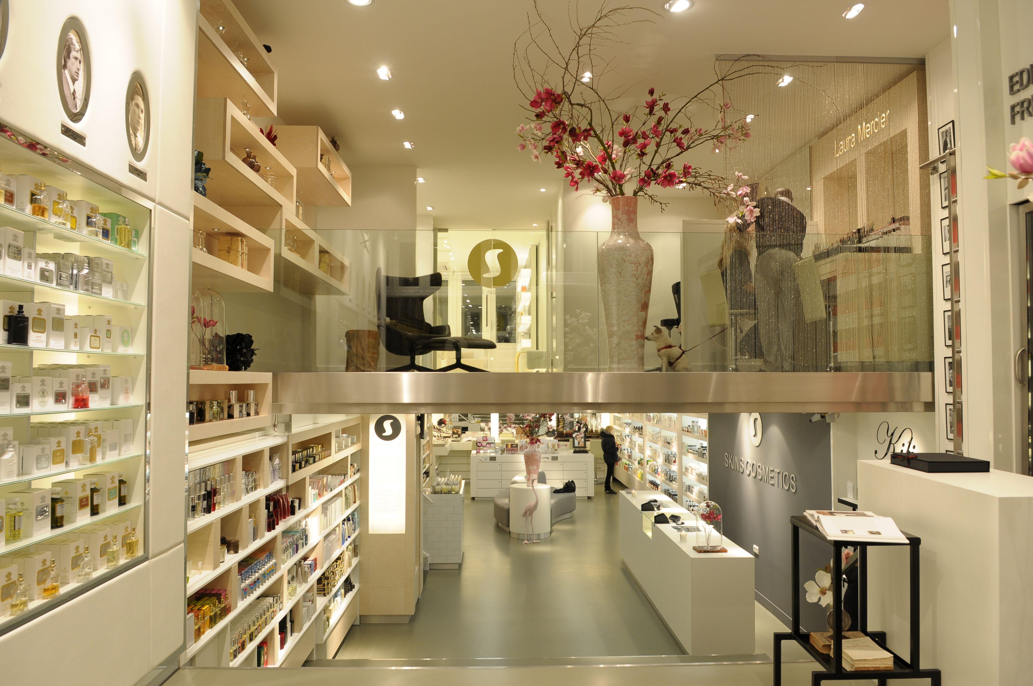 Что купить в амстердаме косметика продукция слик косметика купить