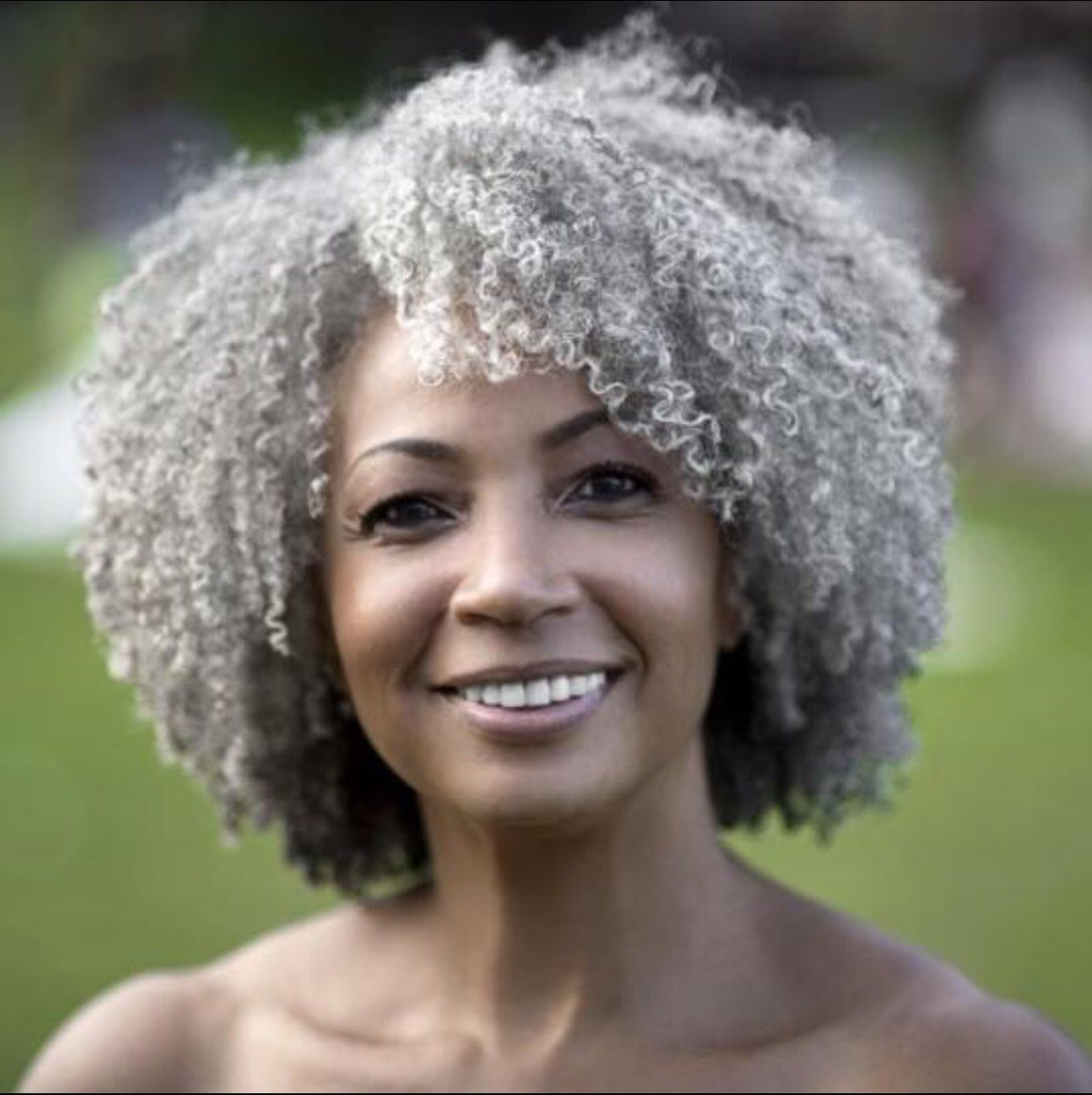 Coiffure J Style Natural Hair She 39s So Beautiful Cheveux Gris Cheveux