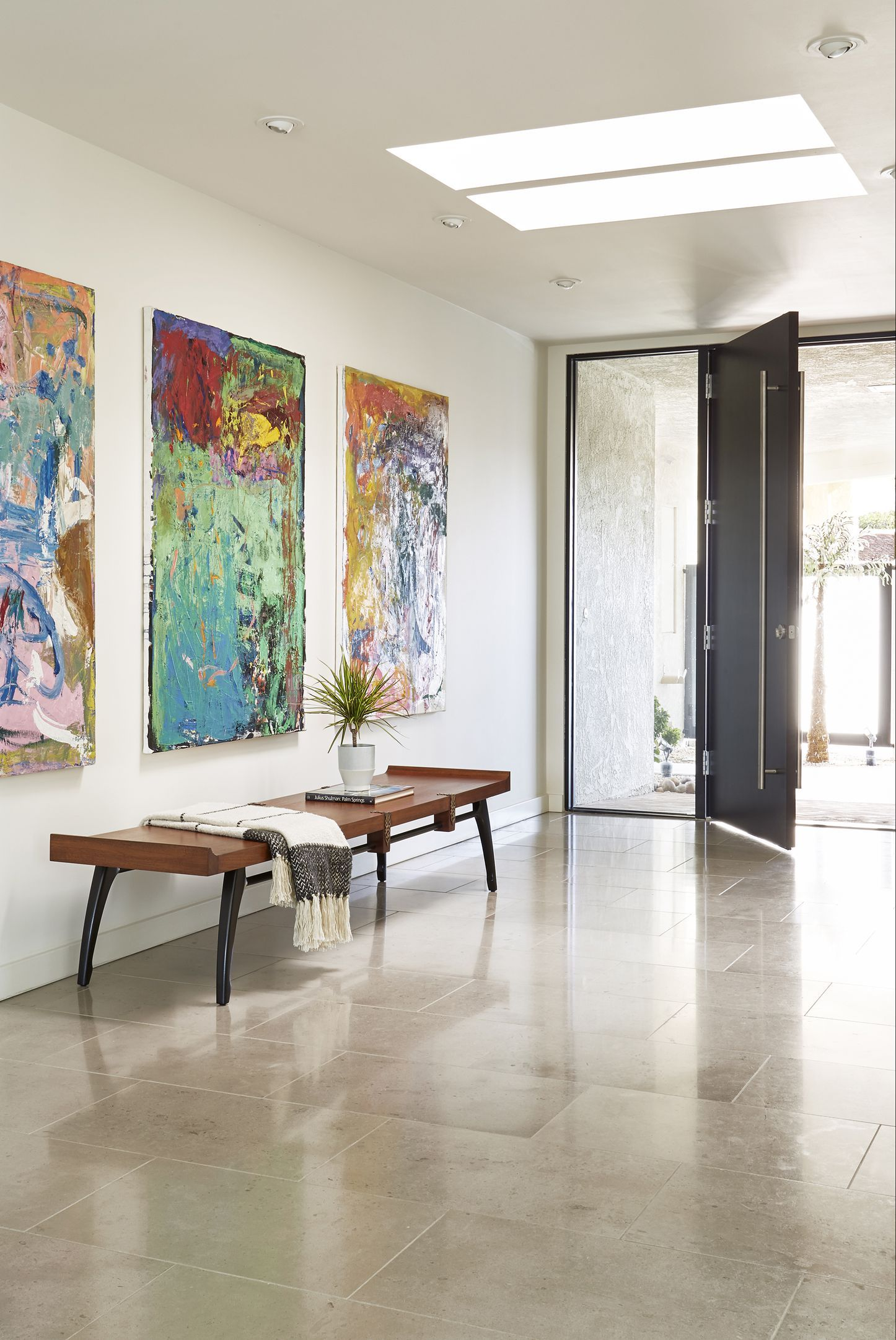 35 Ways to Take Your Foyer to the Next Level with Artwork | Art ...