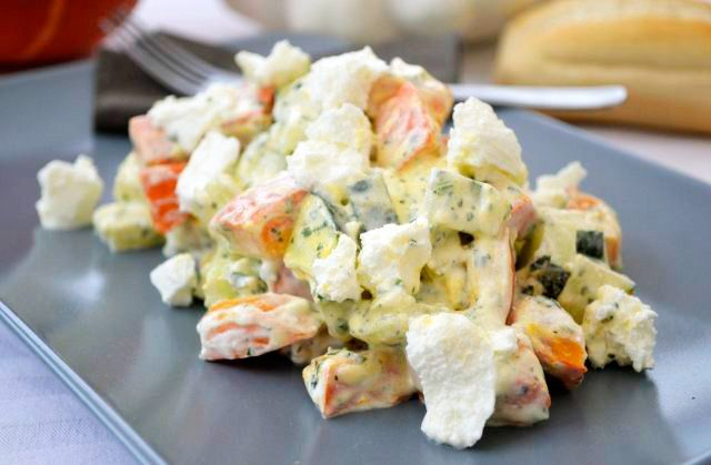 Dieses #Rezept kommt super an, weil Gurkensalat arabisch noch frischer schmeckt als reiner Gurkensalat.