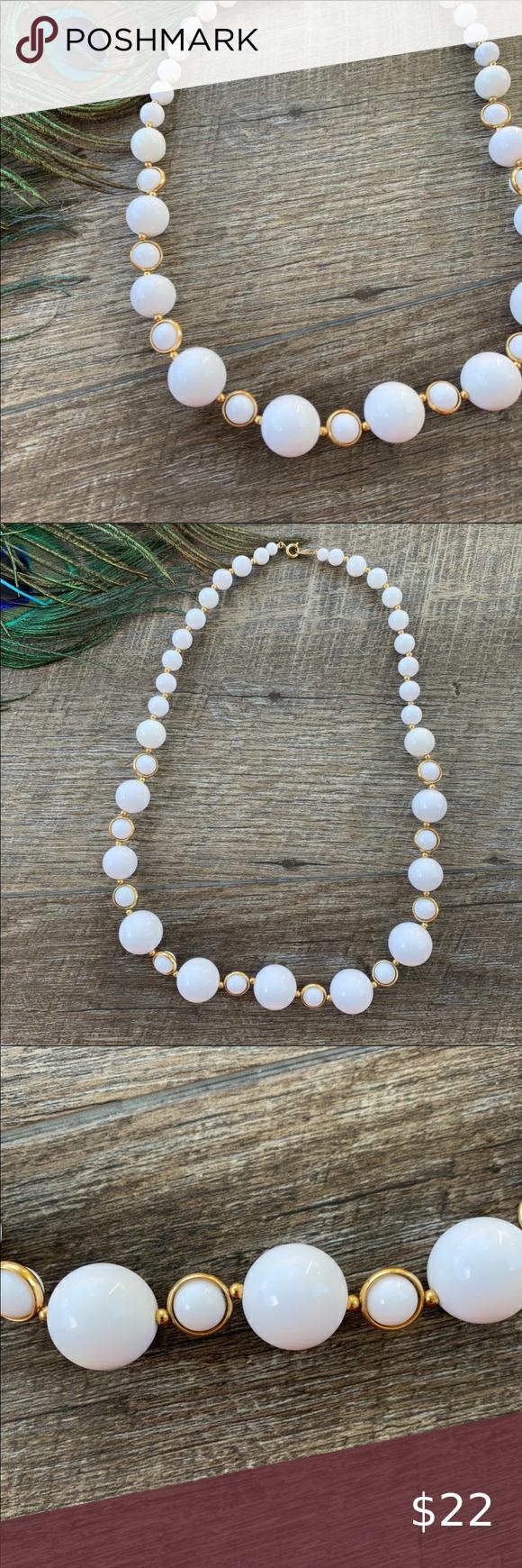 Vintage White & Gold Different Size Balls Necklace