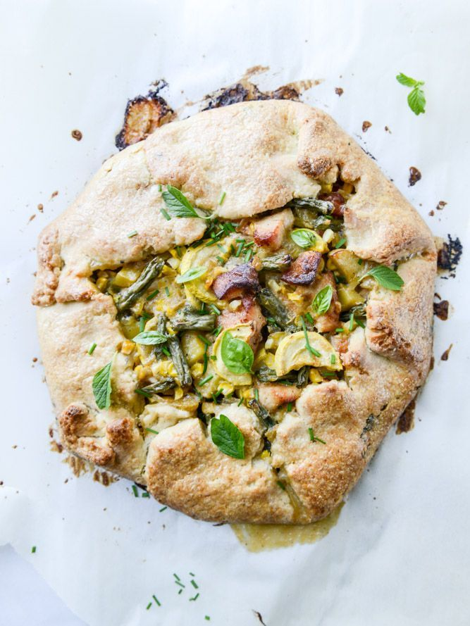 summer chicken pot pie galette with herbed crust I howsweeteats.com #chickenpotpie #galette #easymeals