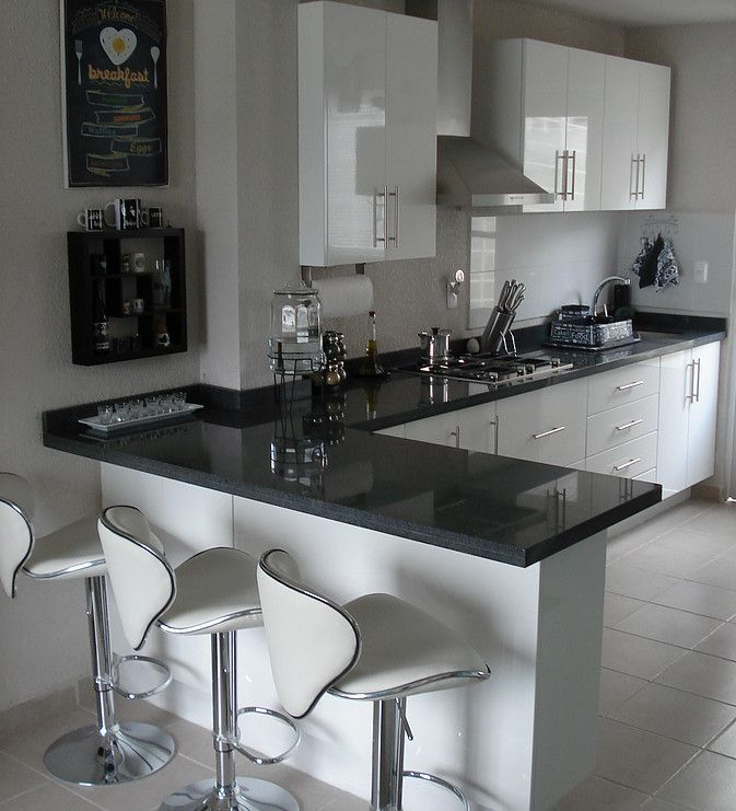 Resultado de imagen para cocinas para casas peque as color for Barras para cocinas pequenas modernas