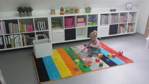 Welp Leuke aftimmering op zolder met de kallax kasten van Ikea. (met ZO-01