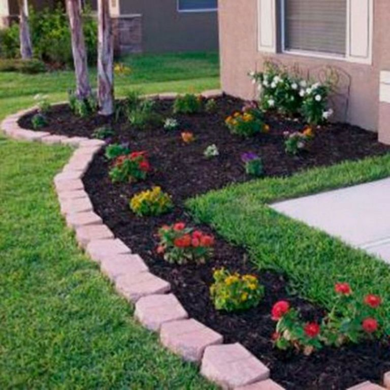 30 Beautiful Flowers For Simple Front Yard Ideas For Your Lovely Home 24 M Front Yard Landscaping Simple Small Front Yard Landscaping Yard Landscaping Simple