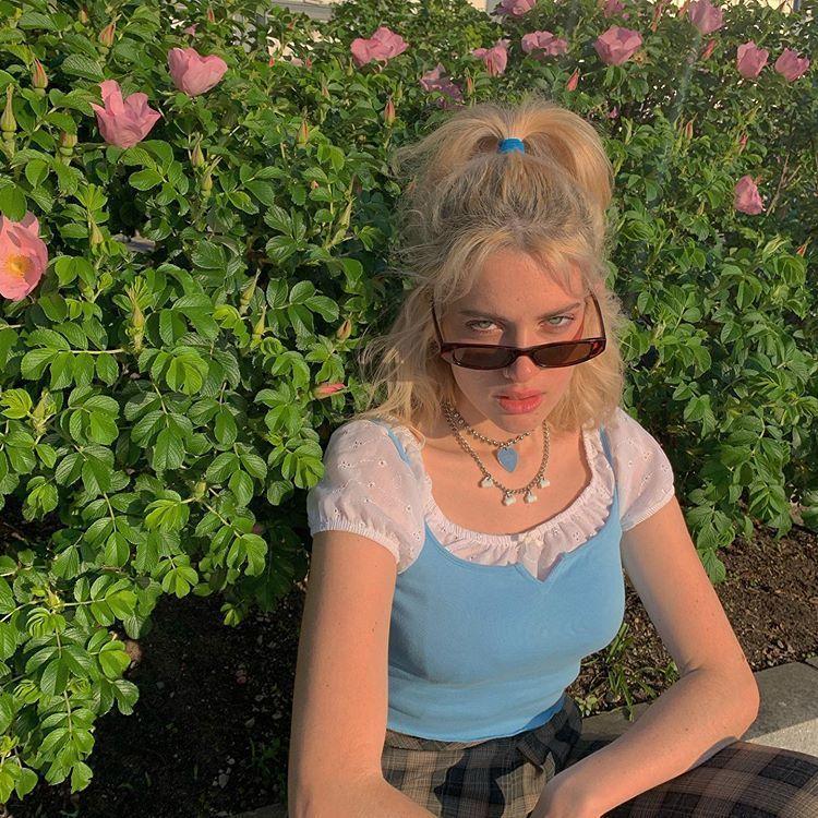"༺ALEXA༻ on Instagram: ""the garden of eden 🦋🌷👼🏼"""