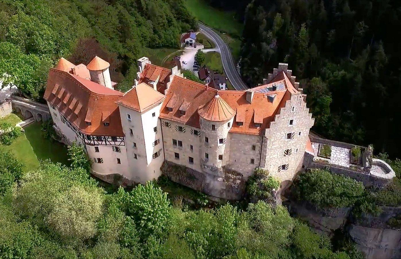 Pin Von Jorg Auf Castles And Palaces Around The World Burgen Und Schlosser Burg Anwesen