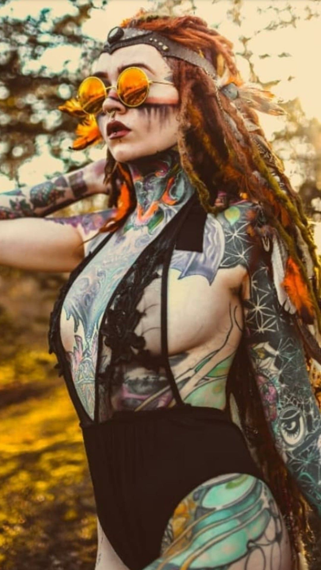 Photo of OOO. YEAH. NO  SNAKE TATTS.  BEAUTIFUL FROM THIS SIDE. ART WOMAN. 😍🎨🌈…
