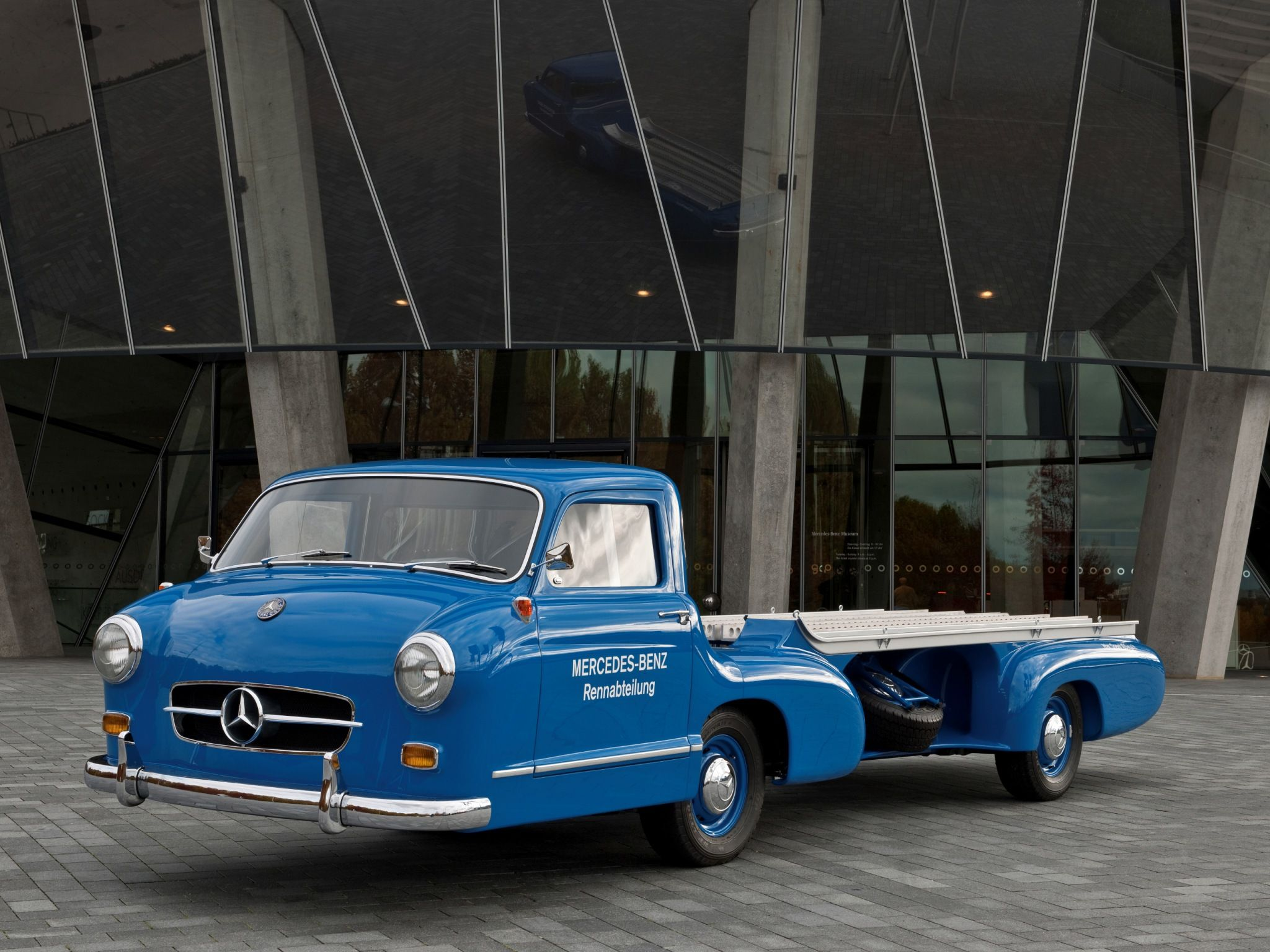 Mercedes-Benz Blue Wonder Transporter | Bakkies | Pinterest ...