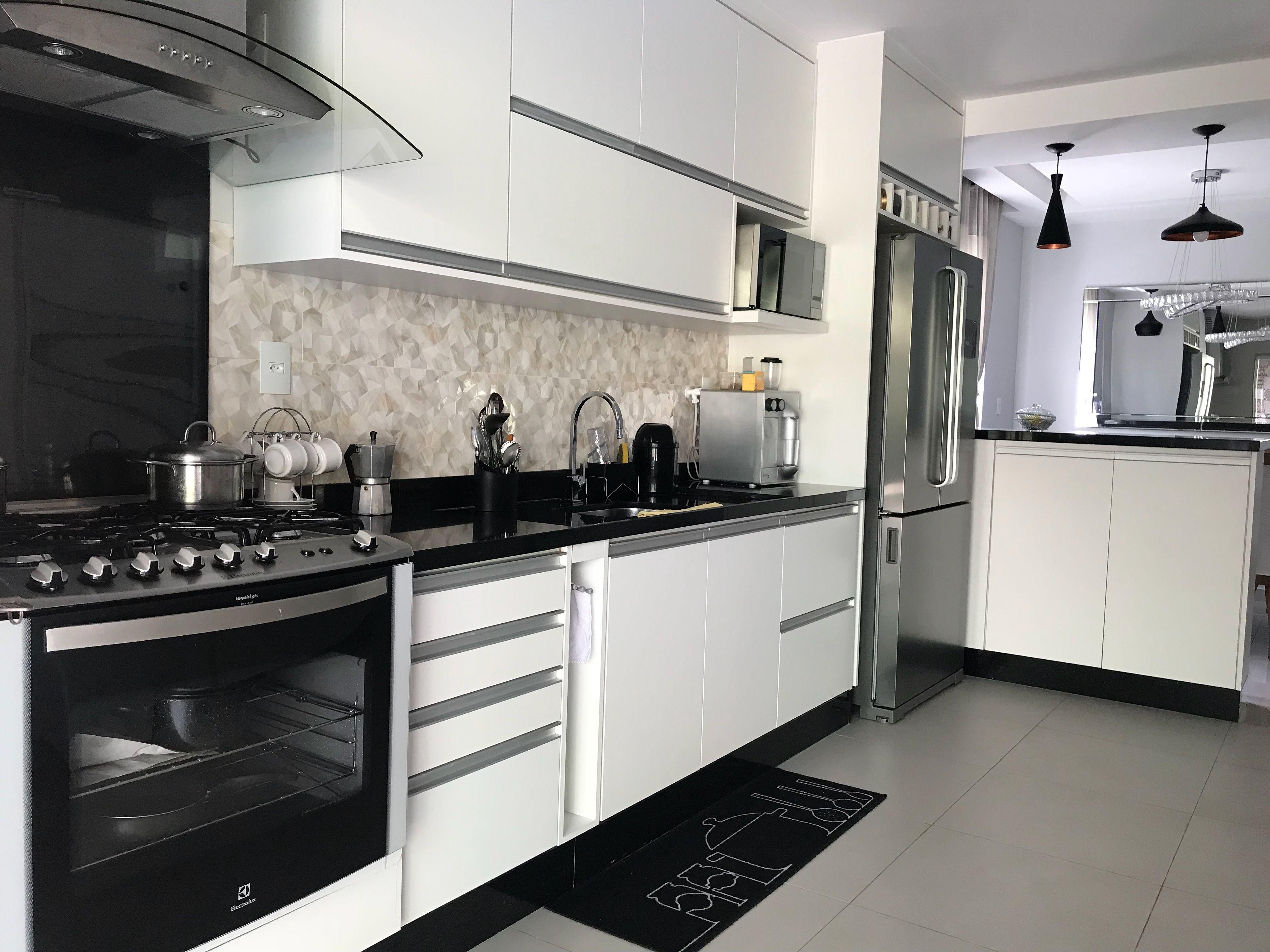 Pin De Adriananoliveira Gomes Em Cozinha Cozinha Preta E Branca