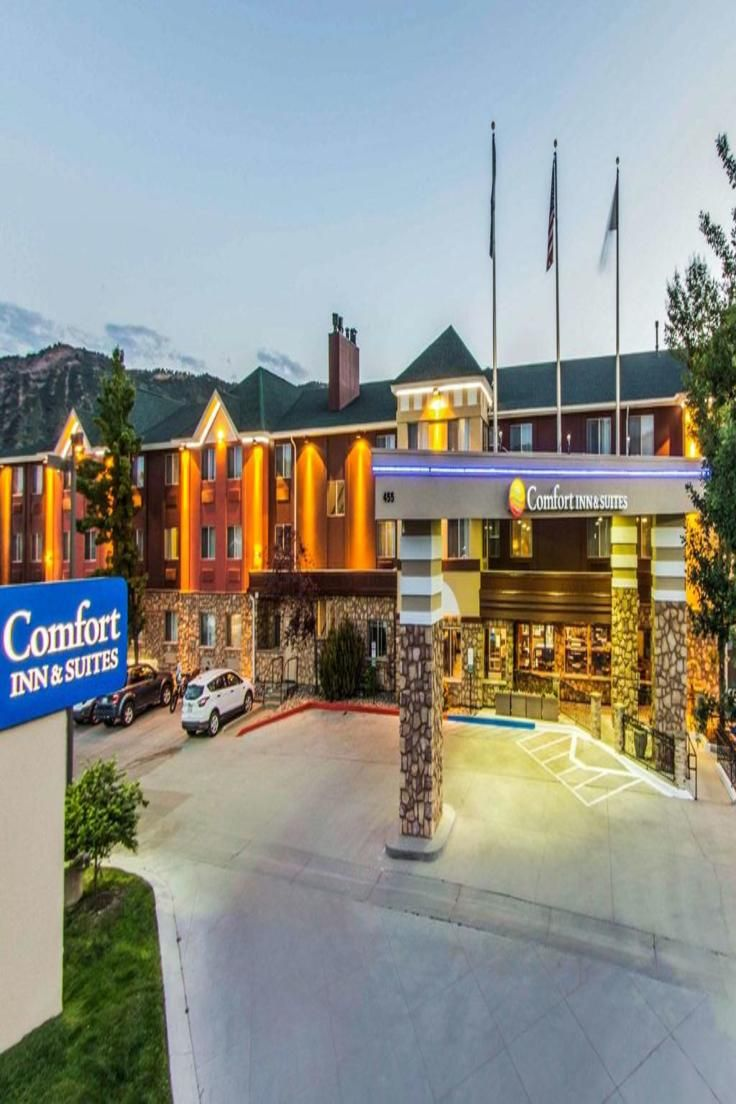 Offering Complimentary Breakfast Comfort Inn Suites Durango