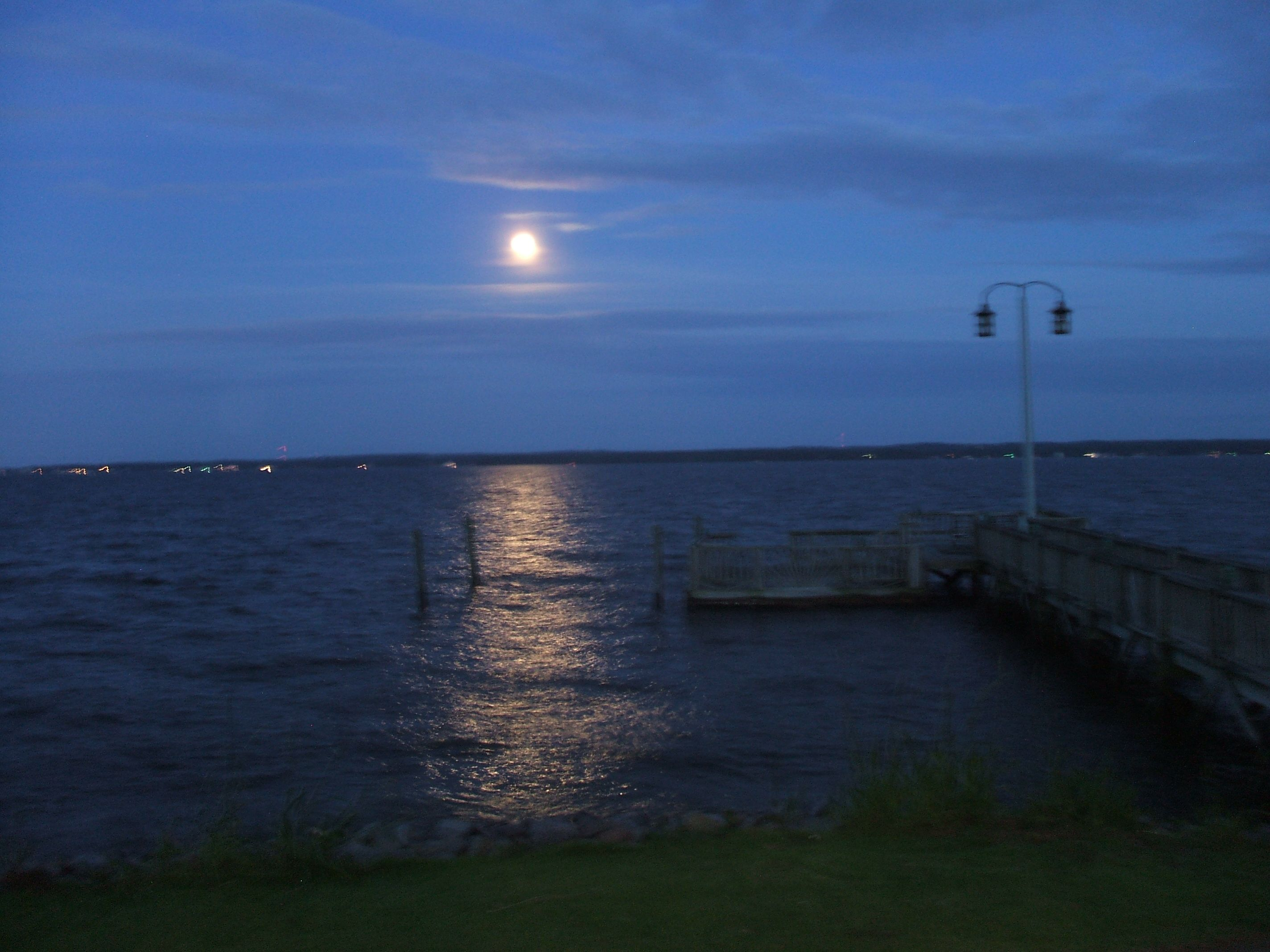 full moon over Shull Island