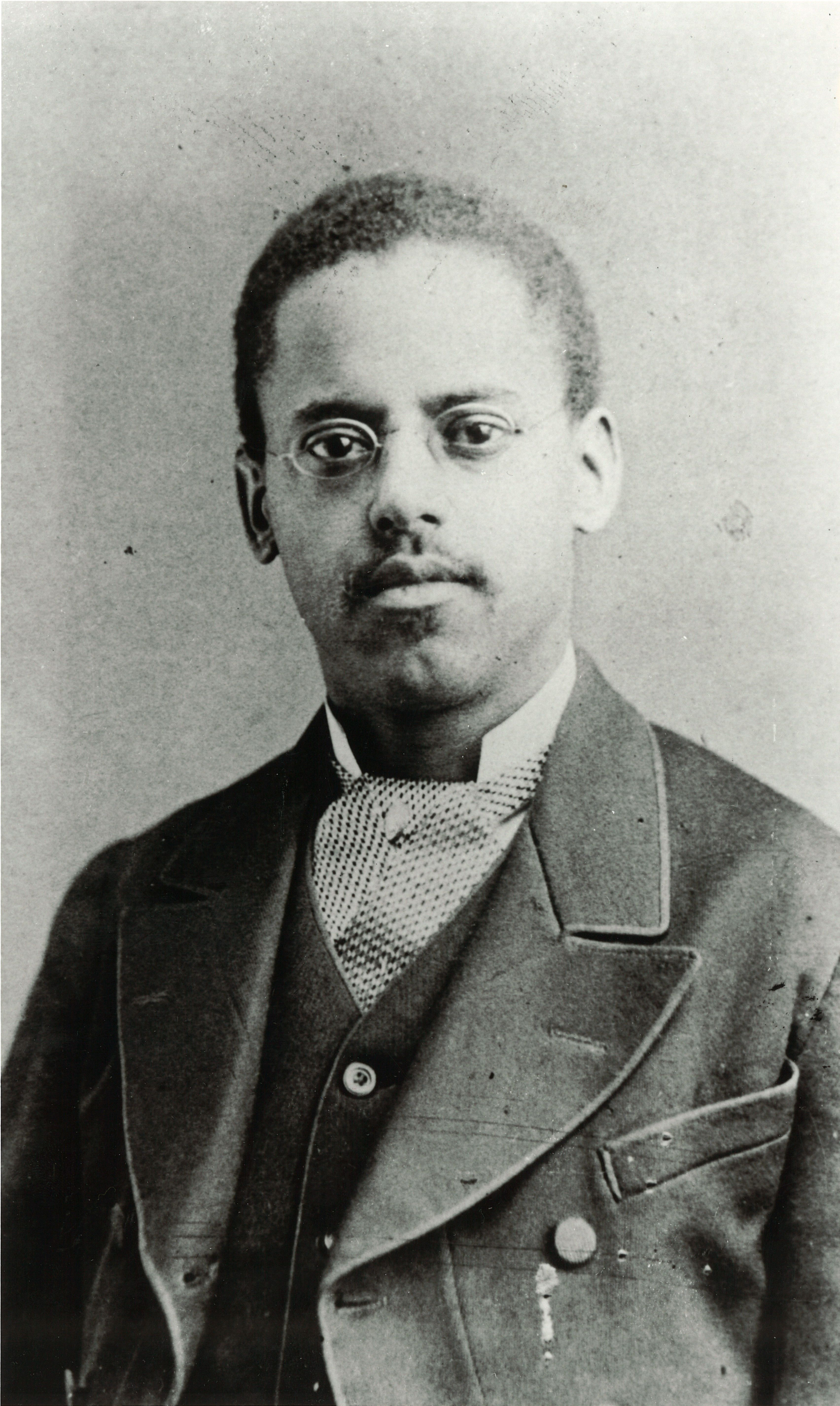 Lewis Latimer patented a carbon filament for the ...