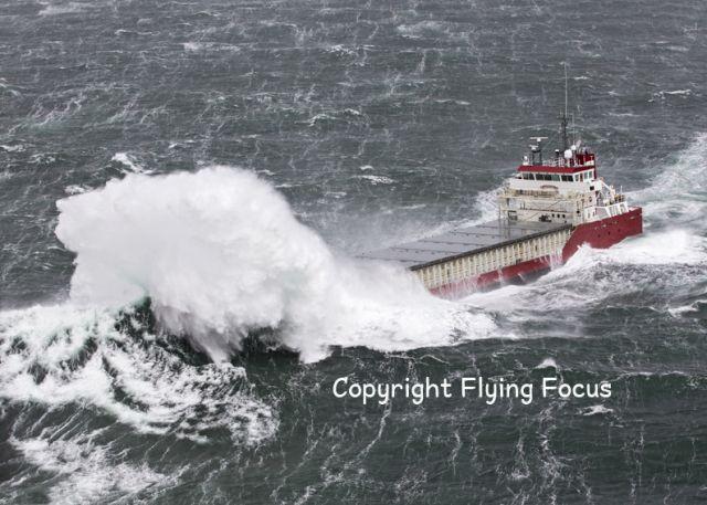 Stormkracht 9  28 maart 2016 op de Noordzee boven Terschelling,   http://koopvaardij.blogspot.nl/2016/03/stormkracht-9.html