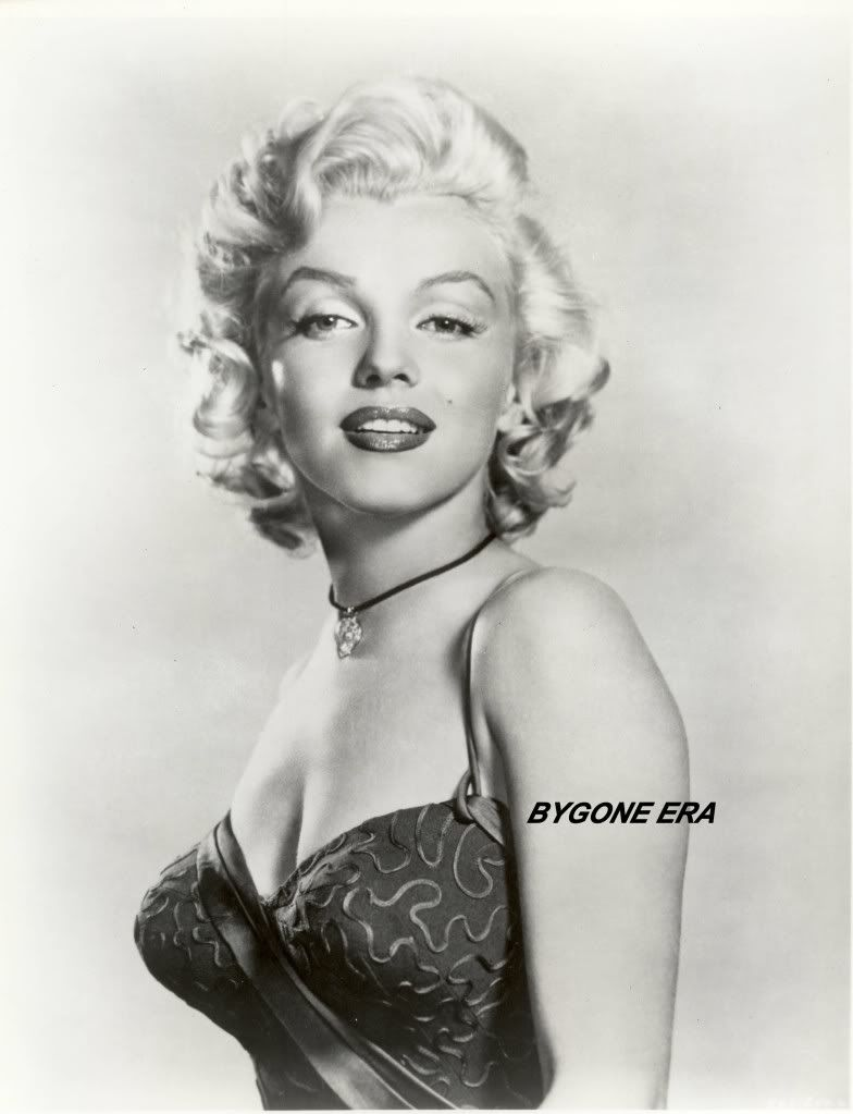 Marilyn Monroe Pin Up | marilyn monroe glamour photo movie poster ...