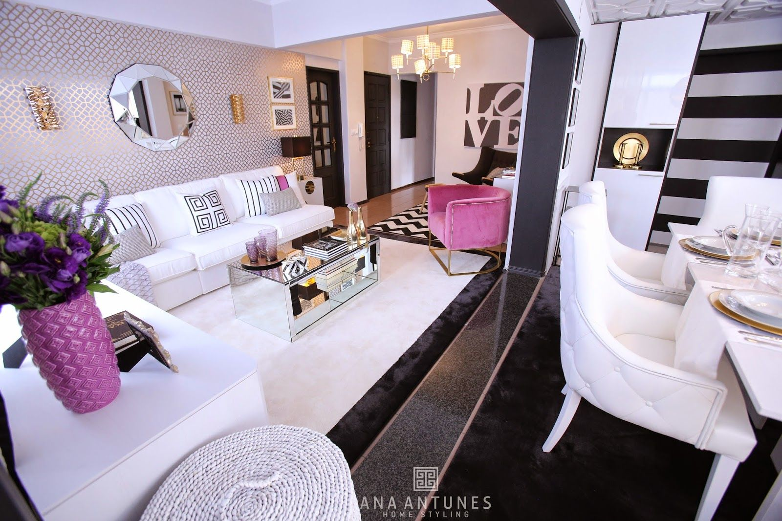 Et  Voila ! The  photos  from the show broadcast ed this weekend !     A  contemporary living room  for a family that  had  a space  with ...