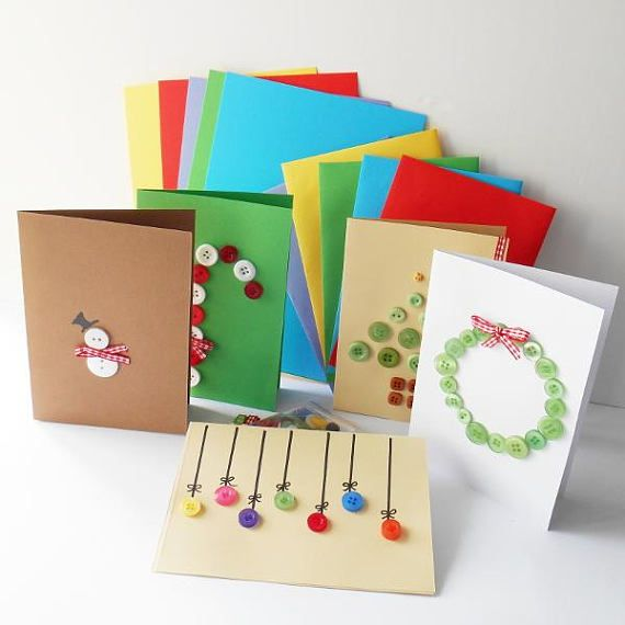 Feel the fun making these cute button Christmas cards using a DIY