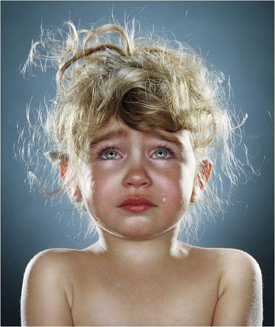 Fille Qui Pleure niña pequeña llorando, une petite fille qui pleure, a liitle girl
