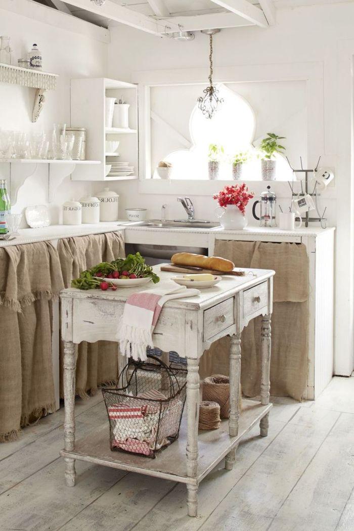 Cocina peque a propuesta cl sica en blanco cortina en - Mesas cocina vintage ...