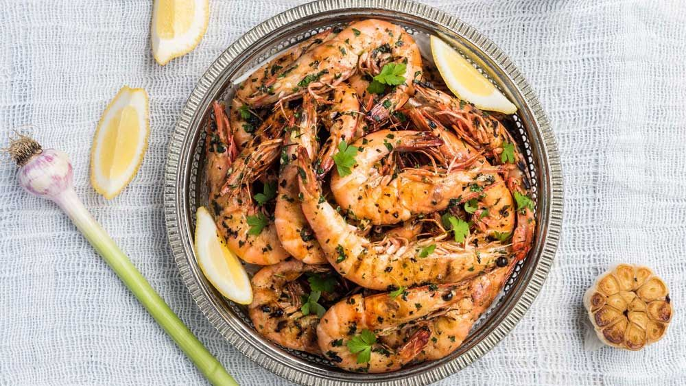 king prawns marinated in garlic parsley and lemon recipe king prawn recipes recipes prawn recipes pinterest