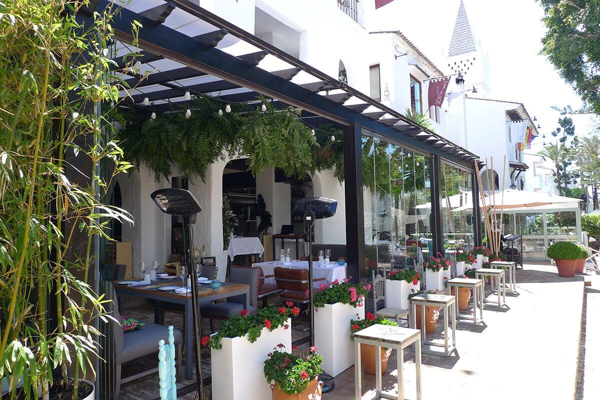 Coberti p rgola de madera con toldo horizontal en terraza - Terrazas con pergolas ...