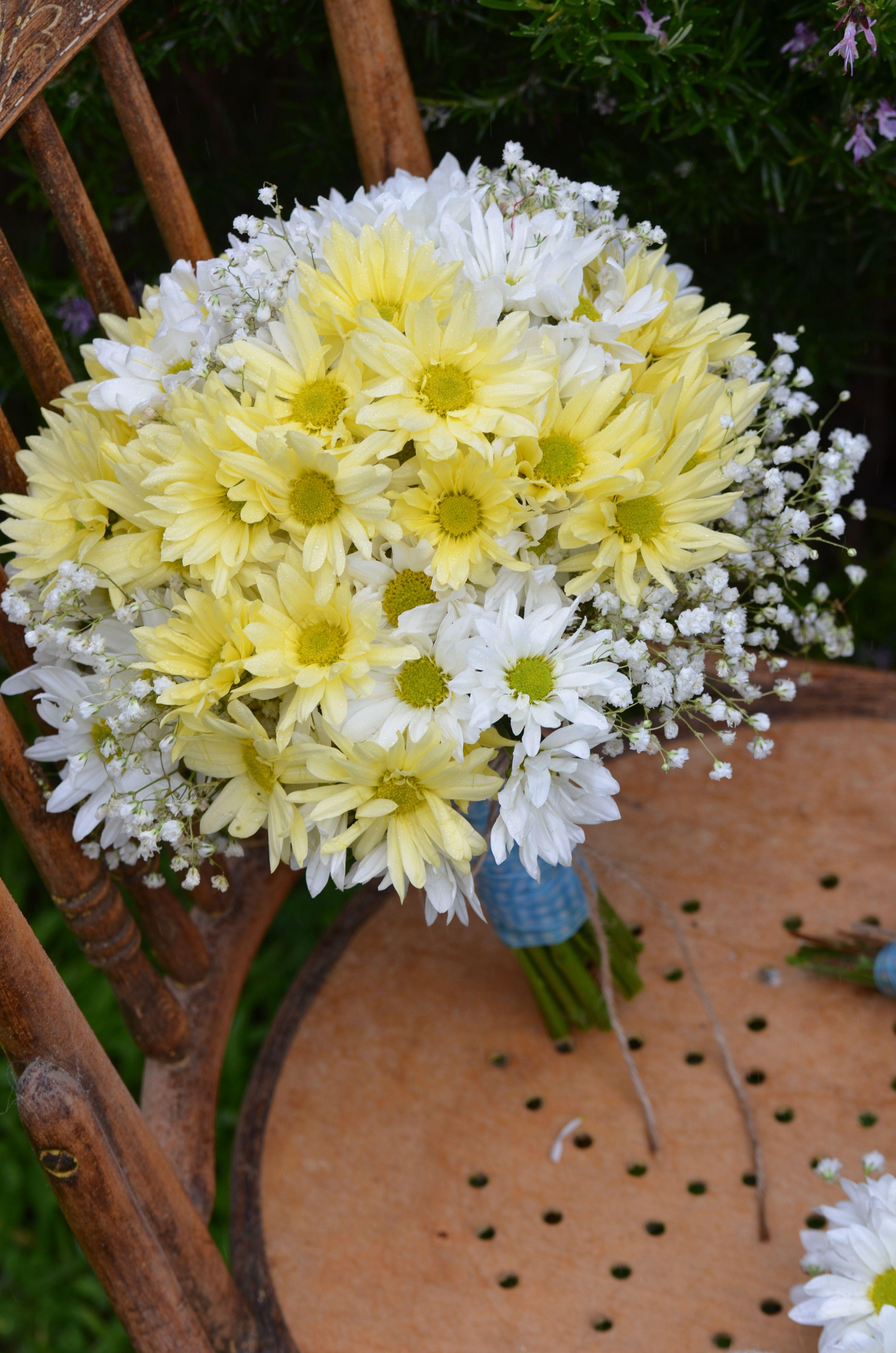 Yellow And White Wedding Bouquetooo Pweety Eventually