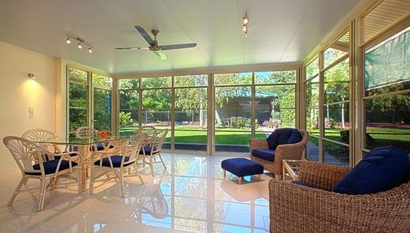 Queensland room extensions enclosed patios trueline for Queenslander living room ideas