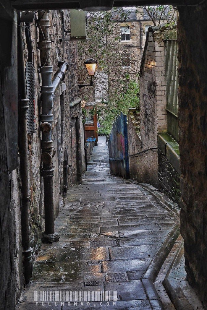 Like people and foods, places can sometimes be a very quick lesson in falling in love. Edinburgh was like that for me. An ode to the end of my visit to a city I'll love forever.