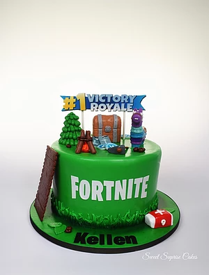 Fortnite Cake Custom Cakes Cake Tiffany Cakes