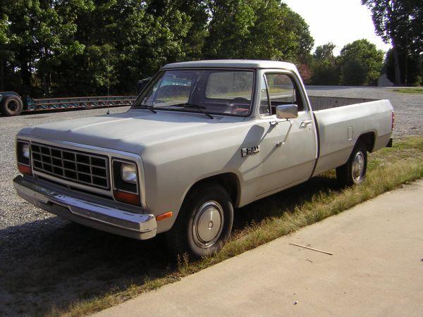 1980 Dodge Ram D100. 4-spd Manual, 3.7L Maintenance/restoration of ...