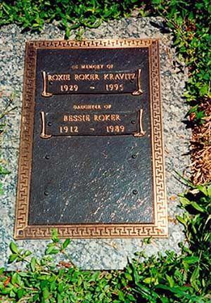 Roxie Roker (1929 - 1995) Played Helen Willis on the TV ... Rosetta Lenoire Grave