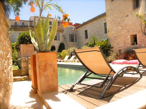 Gay guesthouse en Languedoc Roussillon avec piscine18X 4 salle de