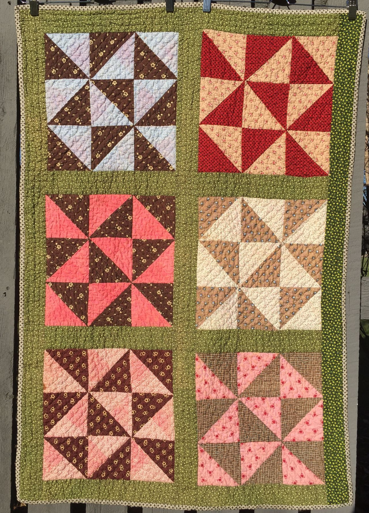 I Finished Hand Quilting This Vintage Broken Dishes Crib Quilt Top This Is The Sixth Top I Have Hand Quilted This Vintage Quilt Top Doll Quilt Vintage Quilts