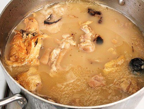 Rich and Creamy Tonkotsu Ramen Broth   Recipe   Ramen ...