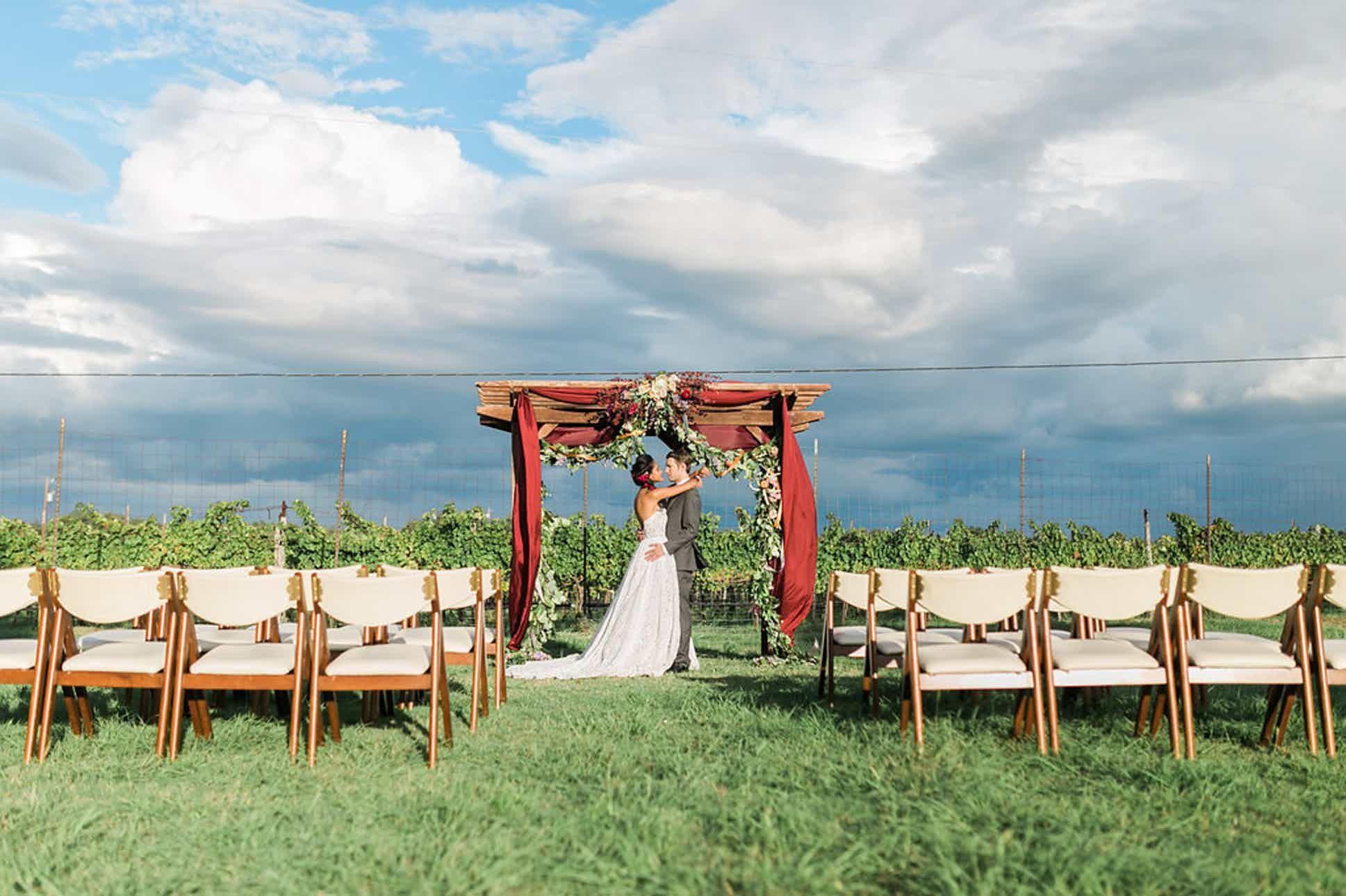 Spicewood Vineyards Weddings Hill Country Wedding Venue