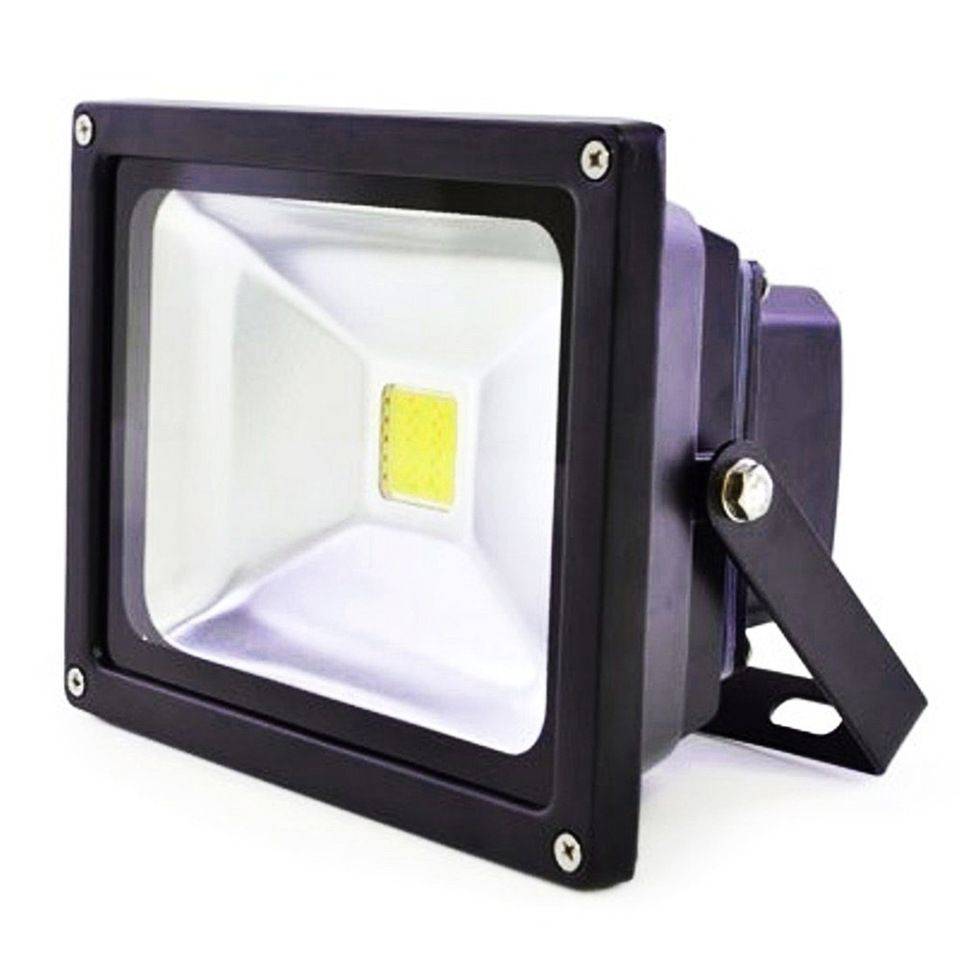 The 8 Best Outdoor Floodlights Of 2021 The Spruce
