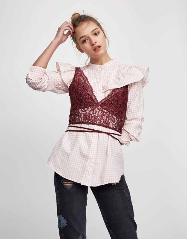 Top encaje - Blusas y camisas - Ropa - Mujer - PULL&BEAR España