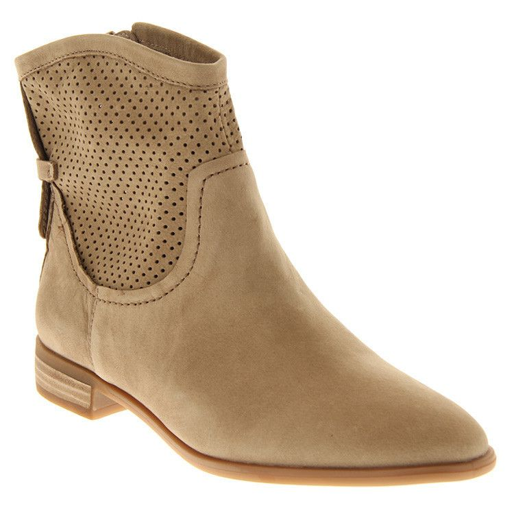 Buy Boots Online in Canada | ShoeMe.ca | SHOEme.ca