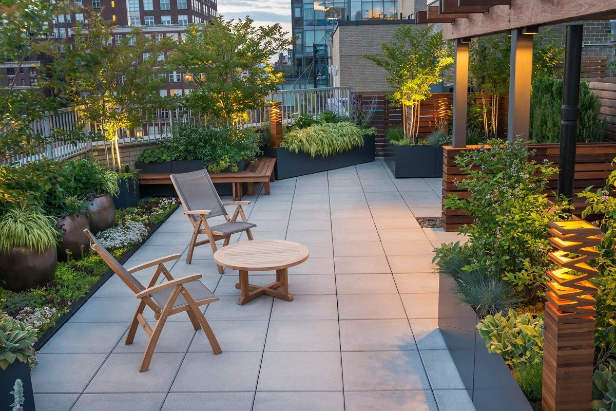 47 Small Garden Design Ideas Low Maintenance Https://silahsilah.com/design/47-small-garden-desi… | Rooftop Patio Garden, Roof Terrace Design, Rooftop Terrace Design