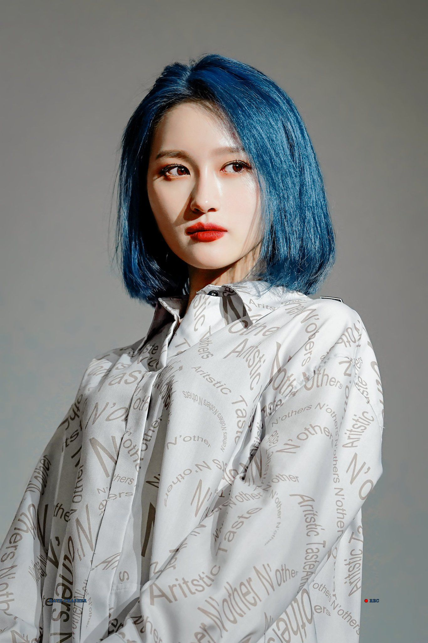 Pin By Josephine Ross On Pretty Kpop Idol Pics Dream Catcher Dream Catcher White Blue Hair