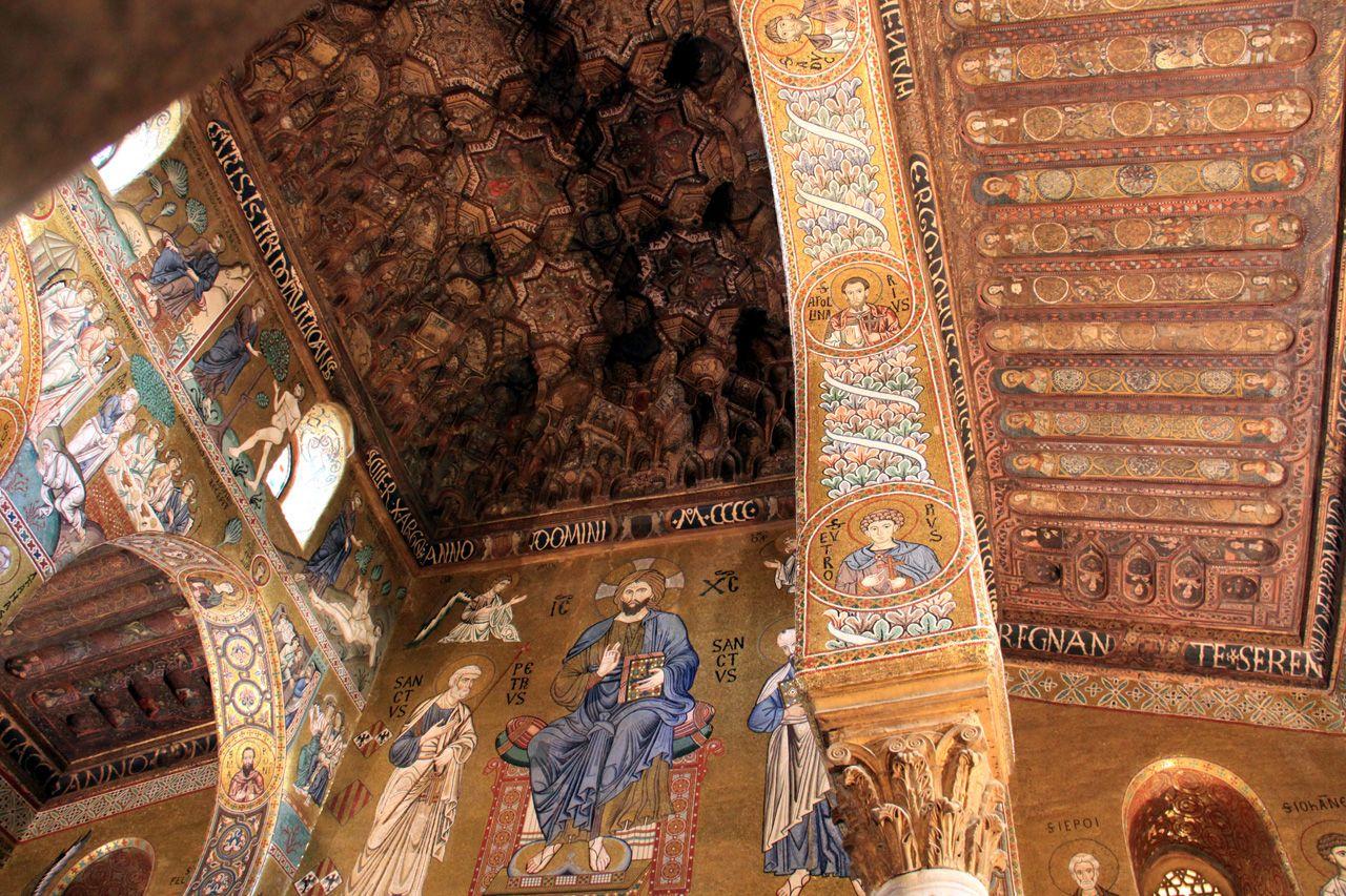 Palermo: Cappella Palatina, consacrata nel 1140, è decorata con mosaici bizantini di pregevole fattura.