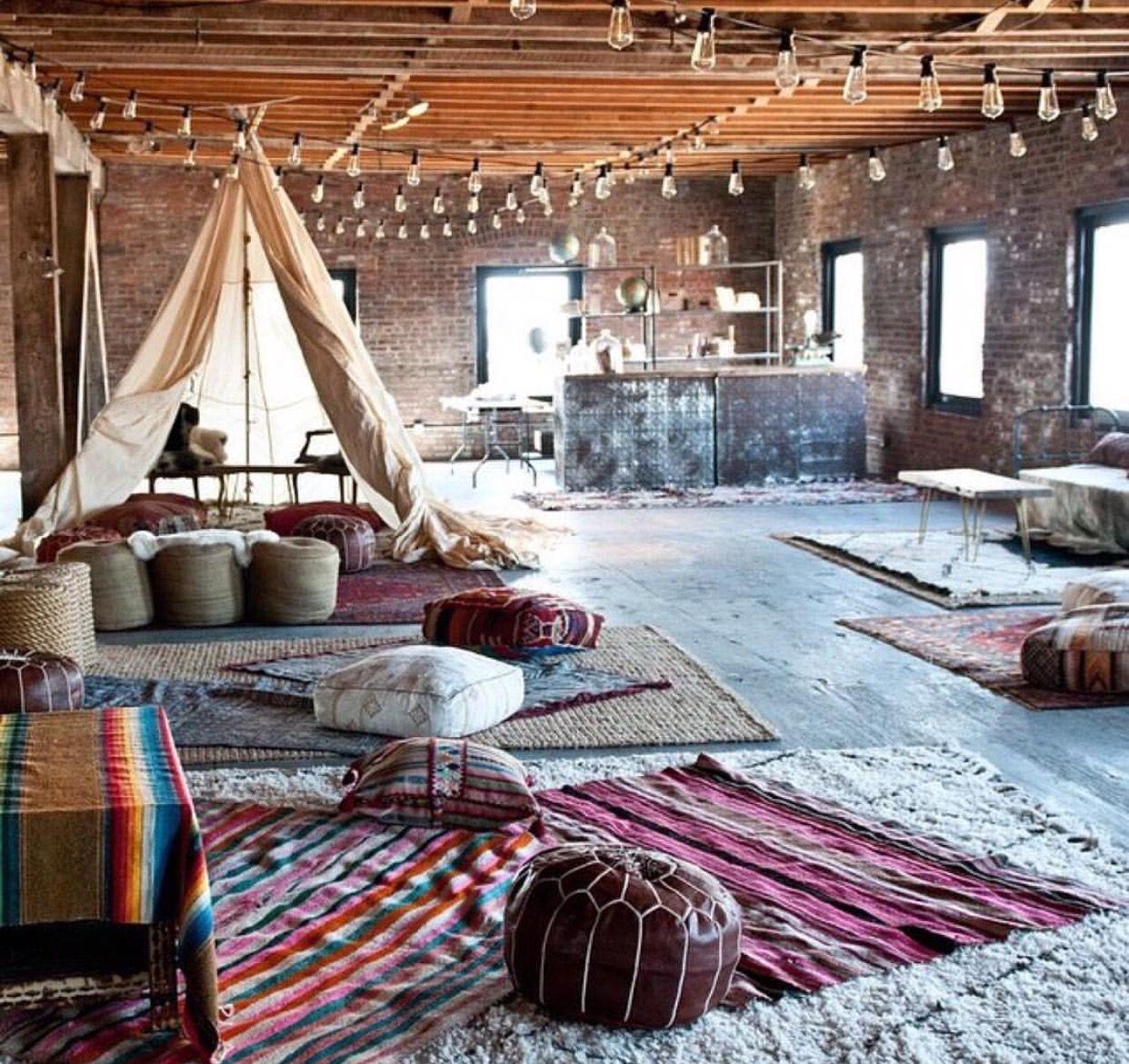 Pin By Manasi Kulkarni On Home Inspo Modern Bohemian Living Room Bohemian Living Rooms Vintage Room