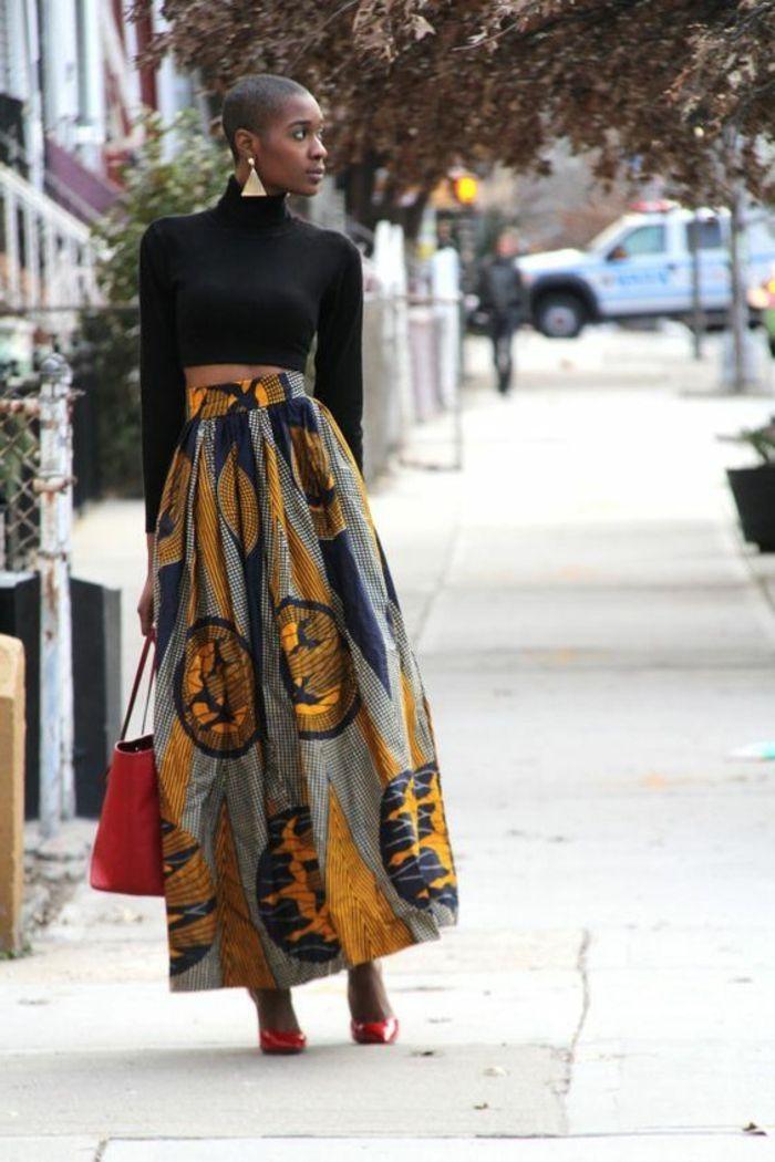 ▷ 1001 + Ideen für afrikanische Kleidung - von der Tradition zu der heutigen Mode #afrikanischekleidung kaftan afrikanische kleidung ideen, schwarze bluse am körper, langer rock mit highwaist, rote tasche #afrikanischekleidung