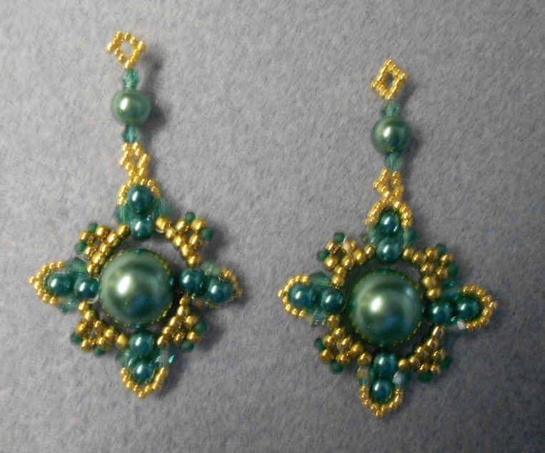 This is my first try at Sidonia\'s new earrings pattern. The ...