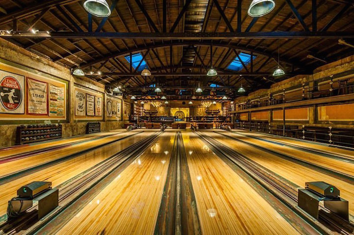 Vintage 1927 Bowling Alley Is Restored In Spectacular Steampunk Decor Highland Park Bowl Highland Park Bowling