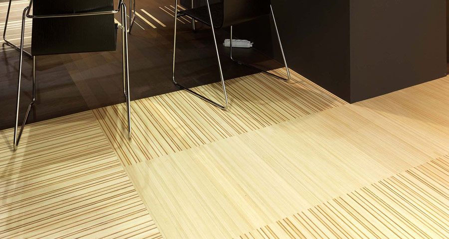VIBRATO - Modular panel, in strips of two different kinds of wood. 5 mm of fine wood (tolerance ± 0,3 mm).  Totally customisable: different wood species, measurements and finishes can be chosen.