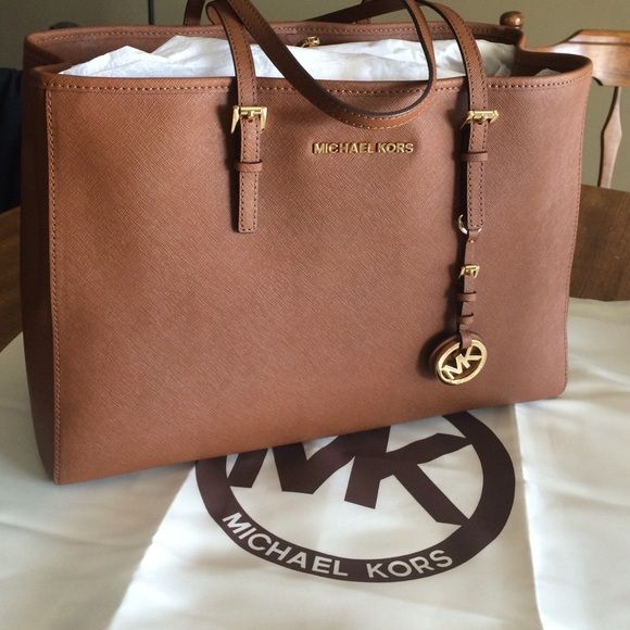 Micheal kors bag never used original packaging NWT | Micheal