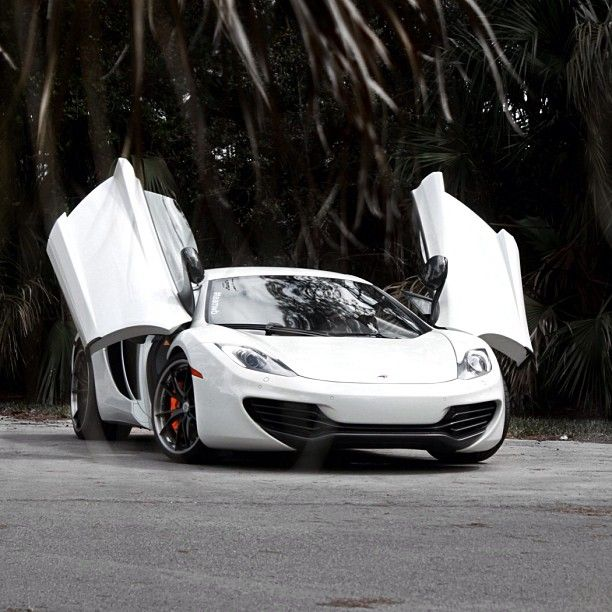 White Beauty - McLaren MP4-12C